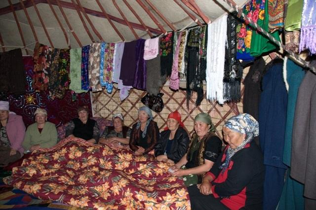 На кыргызских похоронах