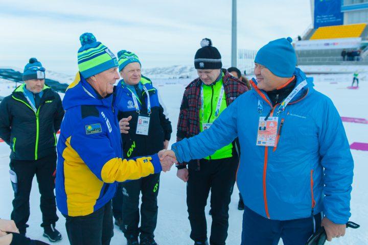 Умирзак Шукеев встречается с лыжниками