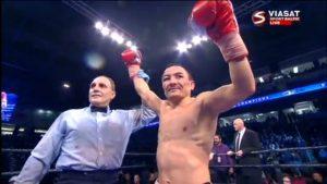 Чемпион мира по боксу в легчайшем весе по версиям WBA (Super) и IBO