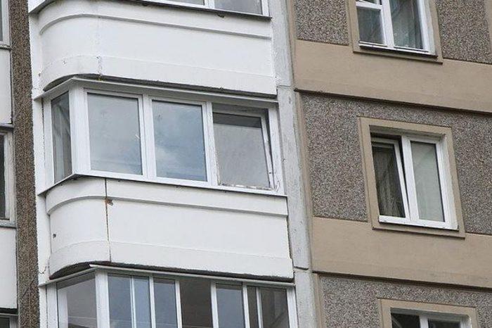 НаМатроса Железняка мужчина умер после падения с13-го этажа