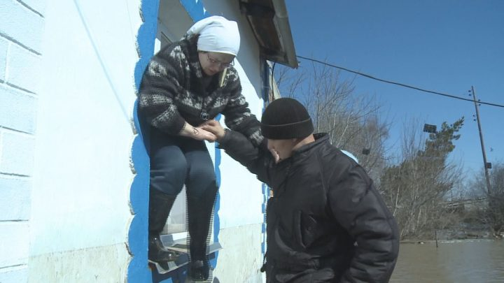 Жителям Рузаевки пришлось покидать дома через окна