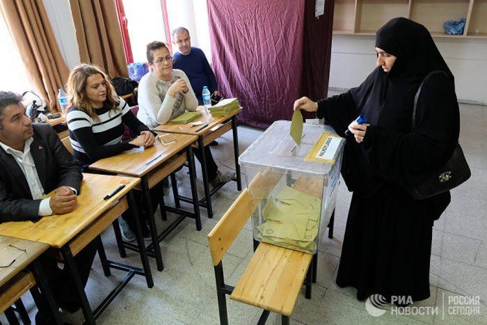 Избирательный участок в Турции