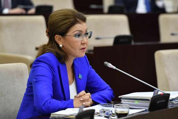 Цифровизация во вред: Д.Назарбаева объяснила рост количества разводов в Казахстане
