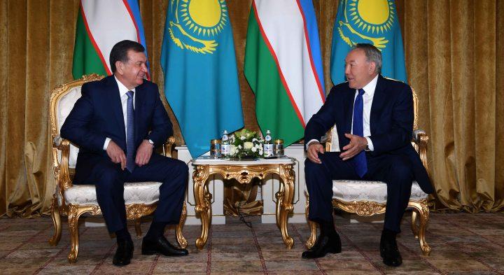 ВКазахстане свизитом находится президент Узбекистана