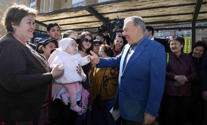 незапланированный выезд Назарбаева на правобережье