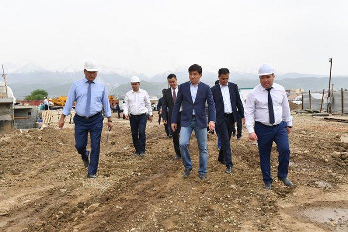 байбек инспектирует наурызбайский район