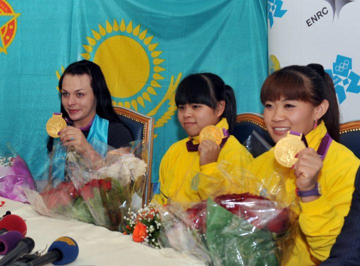 Трое тяжелоатлеток изКазахстана дисквалифицированы задопинг