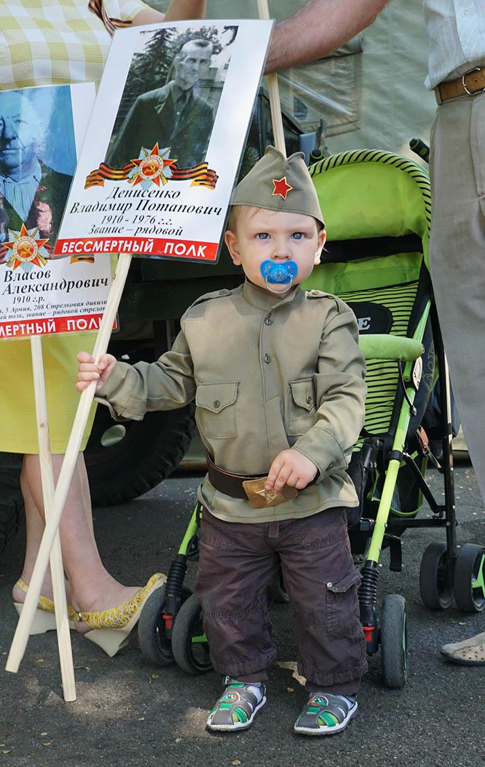 Фото Бориса Бузина, День Победы, дети, Бессмертный полк