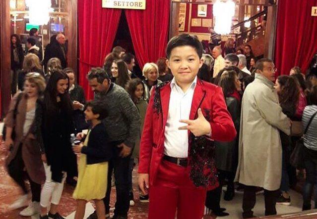 певец из Уральска, 8 лет