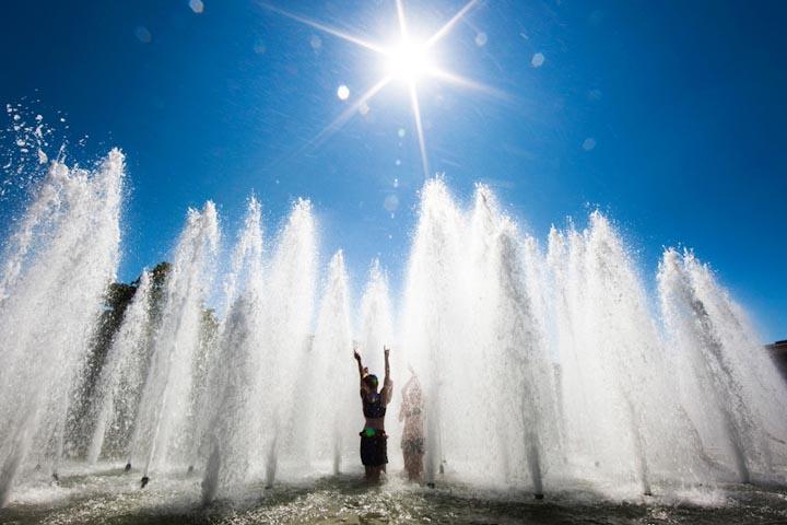прохлада фонтан жара