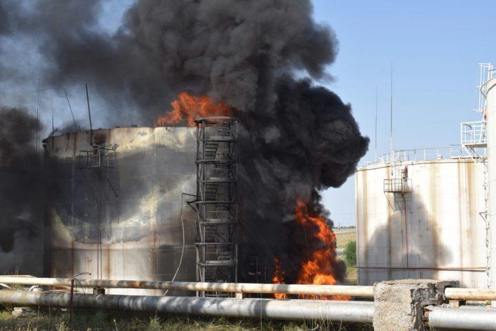 пожар на нефтебазе в Шымкенте 23-24 июня 2017