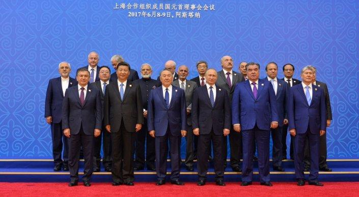 главы государств-членов ШОС на саммите в Астане