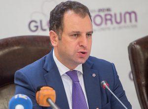 Министр обороны Армении В. Саркисян