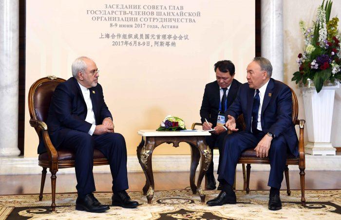 Назарбаев и глава МИД Ирана