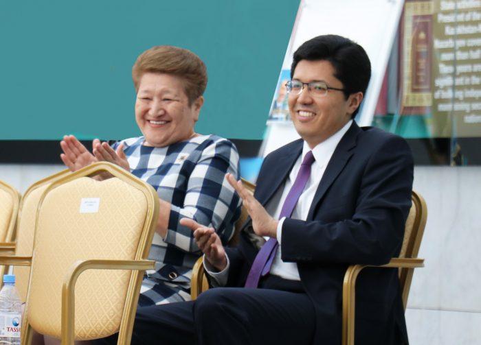 конференция в назарбаев центре, посвященная 25-летию дипслужбым