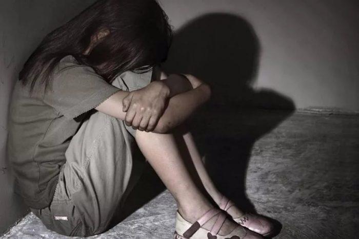Лондонскую школьницу три раза изнасиловали подороге изклуба