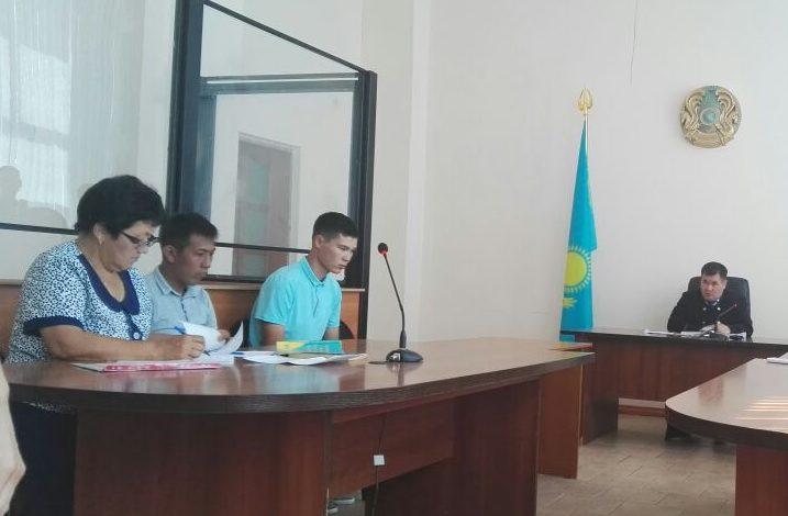 Саната Омирзакова судят за похищение девушки