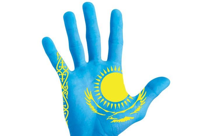 флаг Казахстана на руке