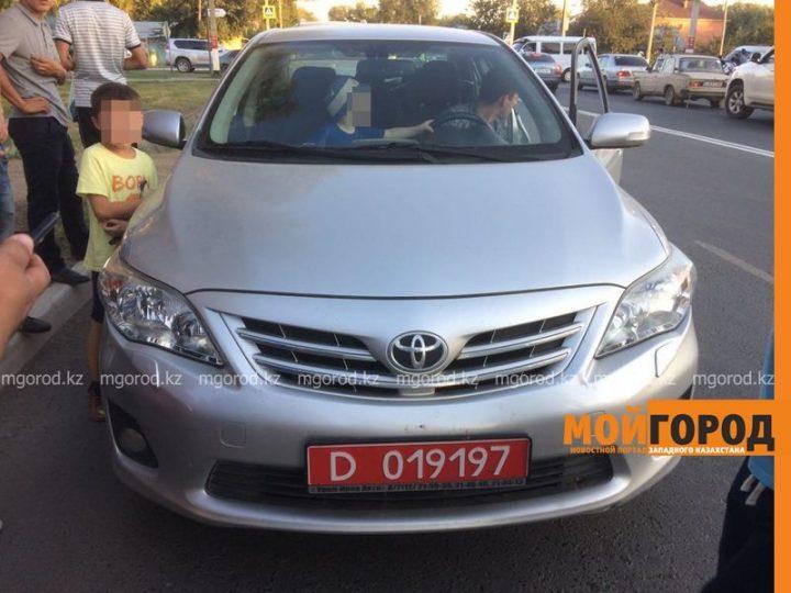 Toyota Corolla генерального консульства РФ