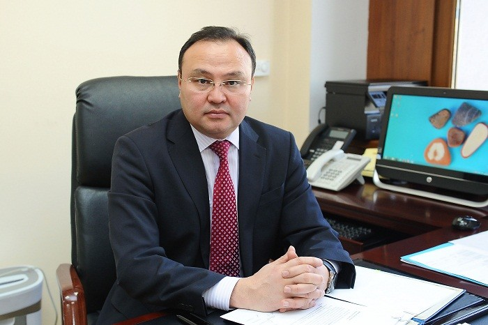 Алмас Мадиев