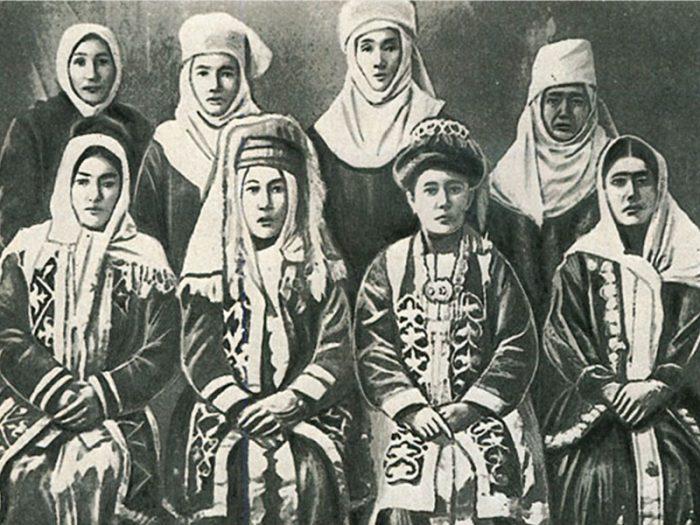 старинное фото казашек
