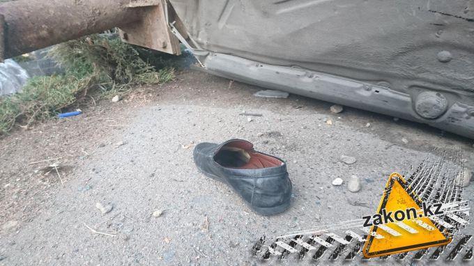 дтп в алматы - водитель сбежал без ботинок
