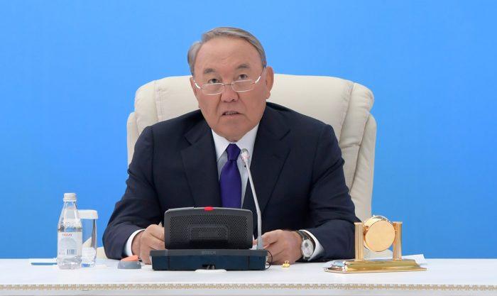 назарбаев на заседании политсовета партии нур отан