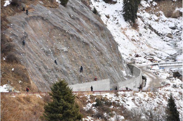 укрепление склонов в алматы