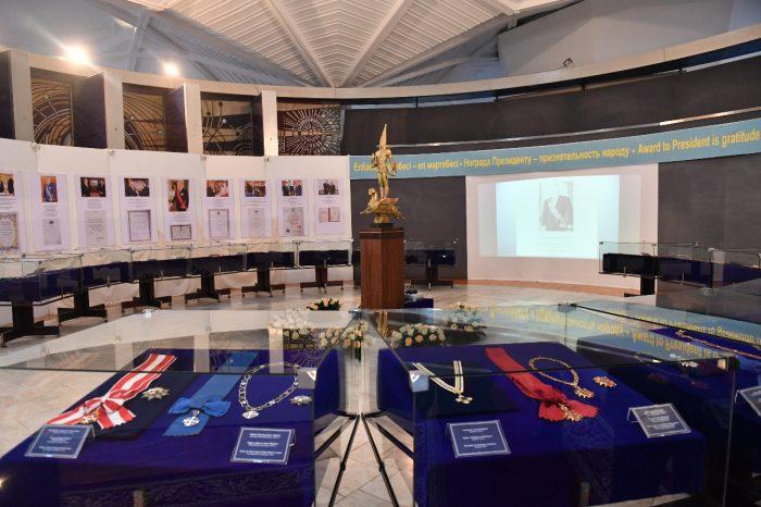 выставка про назарбаева в алматы 1