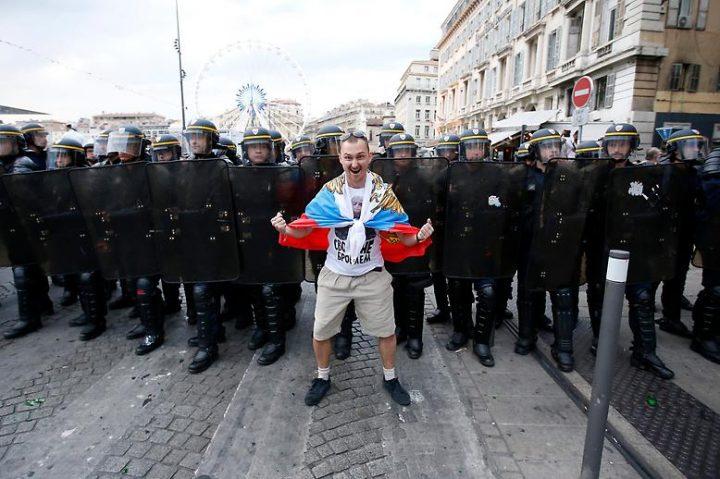 Российский футбольный фанат на Евро-2016 во Франции
