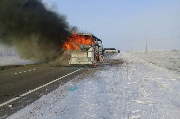 Сгоревший автобус, сгорел автобус