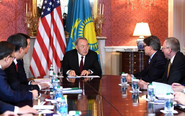 Назарбаев Перри министр энергетики США