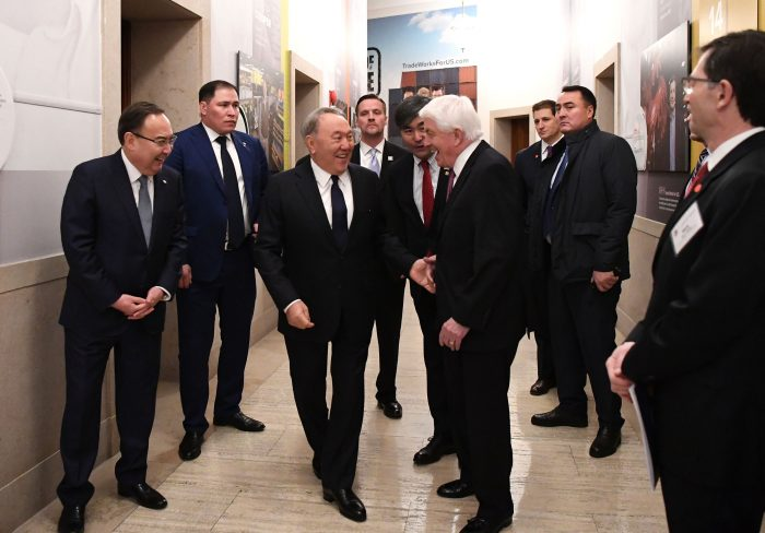Назарбаев на встрече с представителями деловых кругов США