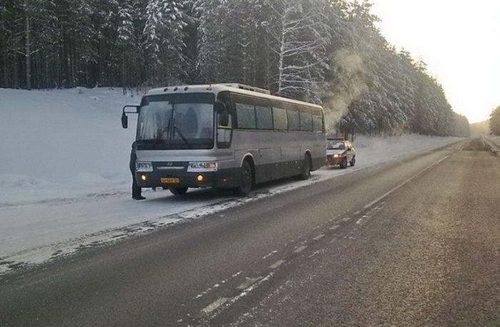 застрял автобус