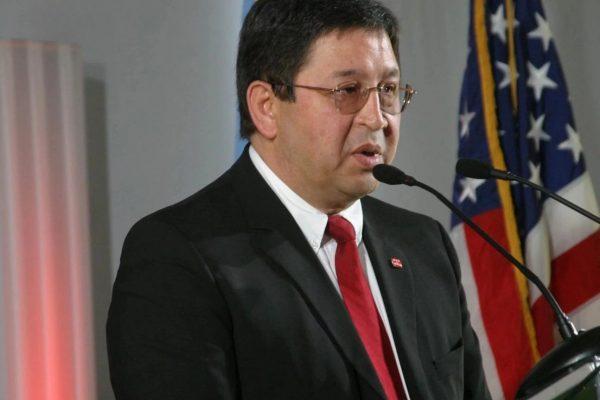 Кен Алибек