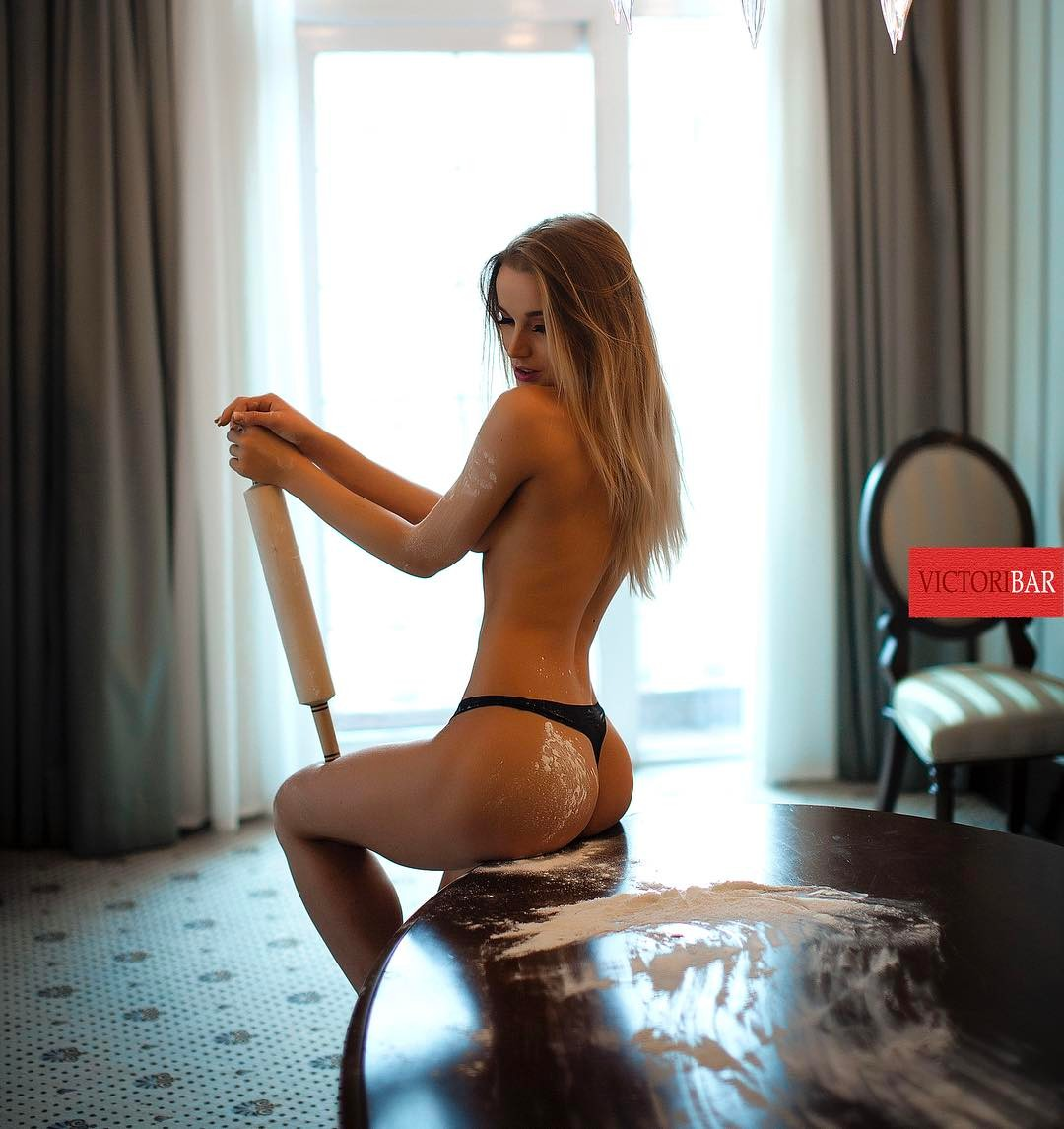 darya-aleksandrova-seksi-chastnoe-lichnoe-otkrovennoe-domashnee-video-molodih-devushek