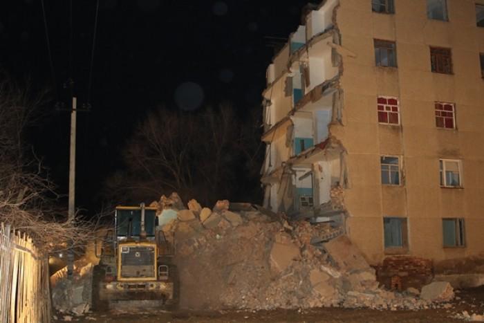 Подъезд общежития обрушился вКызылорде
