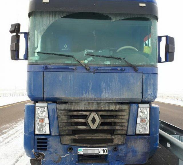 грузовик с мертвым водителем