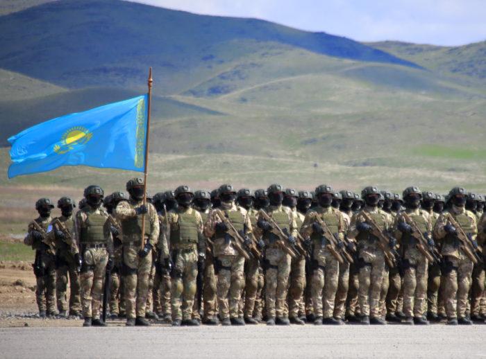 Солдаты, армия Казахстана