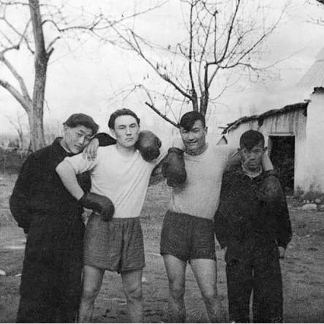 Назарбаев молодой