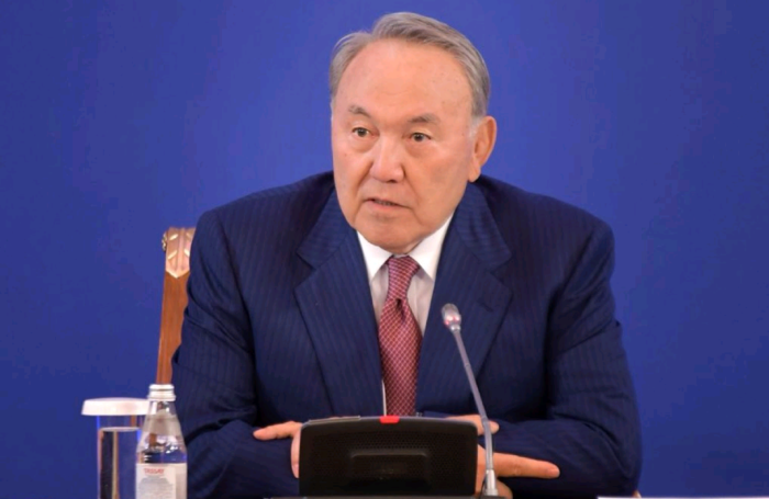 назарбаев в акимате астаны