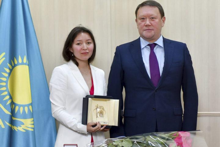 Самал Еслямова и аким СКО