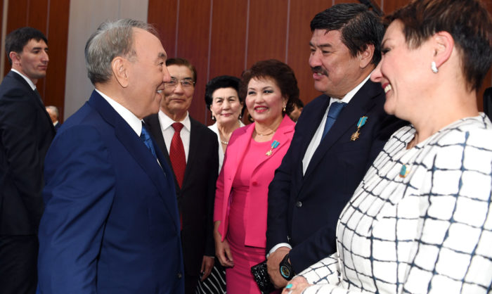 назарбаев политсовет нур отан