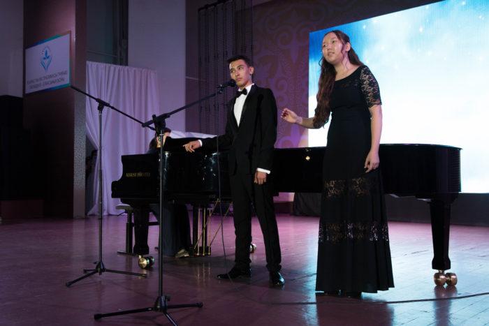 гала-концерт академии клубов юнеско алматы 2018