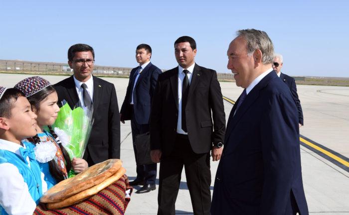 туркменистан назарбаев