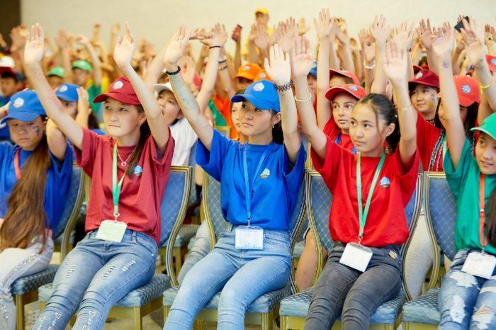 дети путешествовали по казахстану на специальном поезде