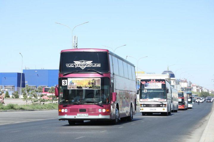 Автобус с чиновниками чух-чух-чух