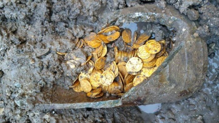 клад античных монет комо италия