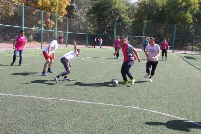 Футбольный матч между мечетями