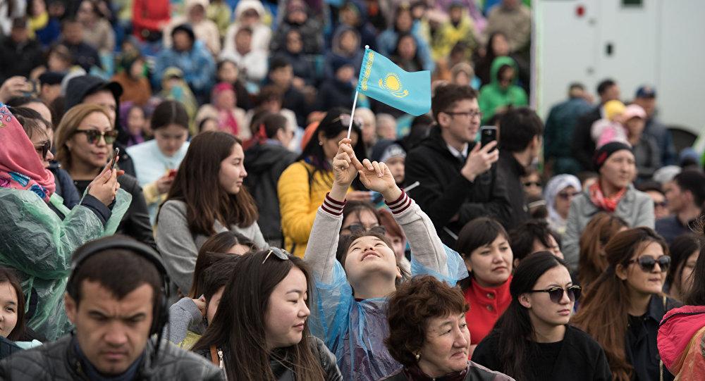 Казахстанцы, население Казахстана. Фото: Спутник